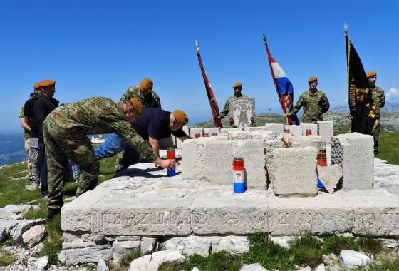 """Na Velikoj Duvjakuši na Dinari obilježena obljetnica pogibije 31 i nestanka 1 pripadnika 7. gardijske brigade """"PUMA"""""""